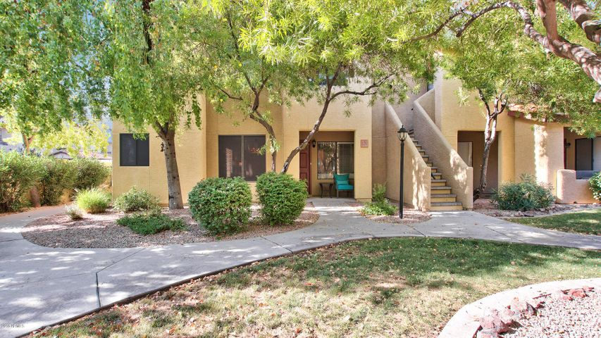 Photo of 7008 E GOLD DUST Avenue #130, Paradise Valley, AZ 85253