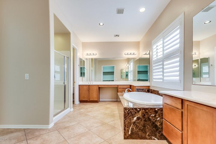 Photo of 8107 W SAN MIGUEL Avenue, Glendale, AZ 85303