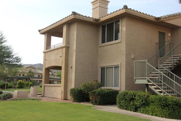 Photo of 16013 S DESERT FOOTHILLS Parkway #2057, Phoenix, AZ 85048