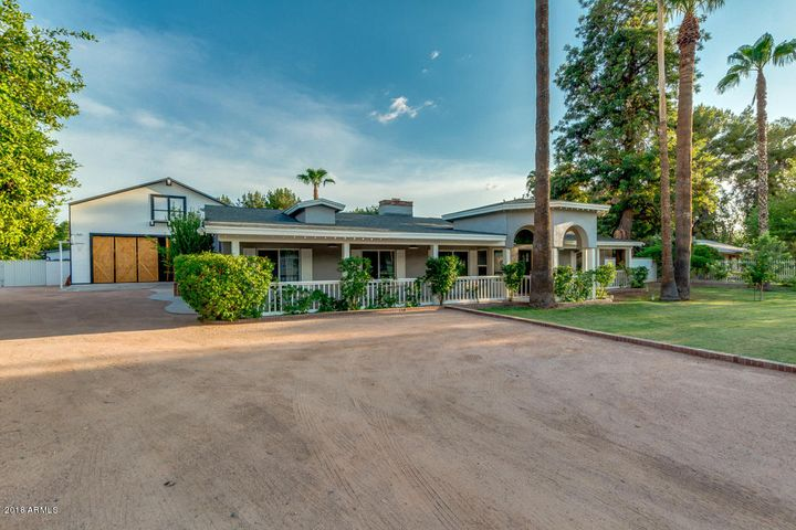 Photo of 13827 E RAY Road, Gilbert, AZ 85296