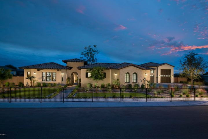 Photo of 9581 W VILLA LINDO Drive, Peoria, AZ 85383