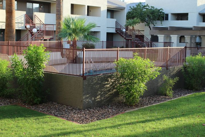 Photo of 3301 E EARLL Drive #120, Phoenix, AZ 85018