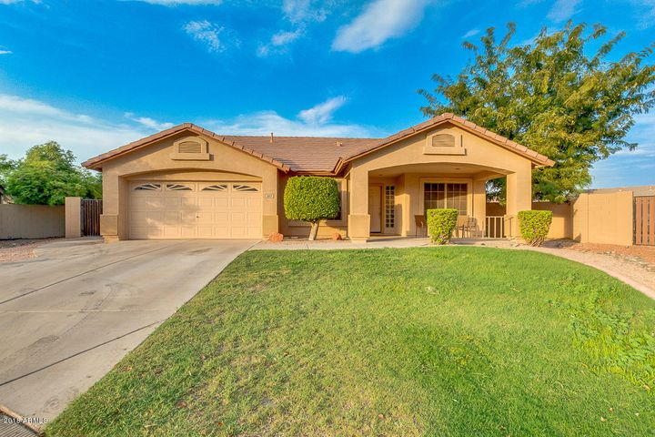 Photo of 2813 S CALVIN Circle, Mesa, AZ 85212