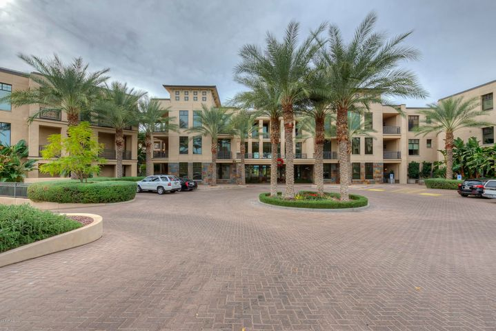 Photo of 8 E BILTMORE Estate #308, Phoenix, AZ 85016
