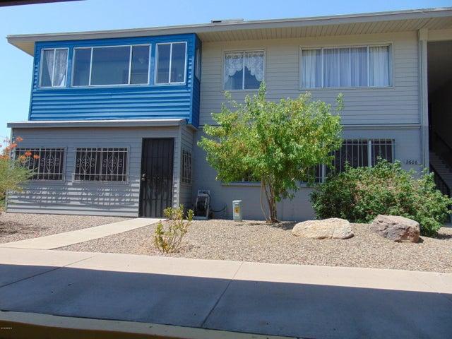 Photo of 2606 W Berridge Lane #C-206, Phoenix, AZ 85017