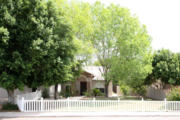 Photo of 2322 E KENWOOD Street, Mesa, AZ 85213