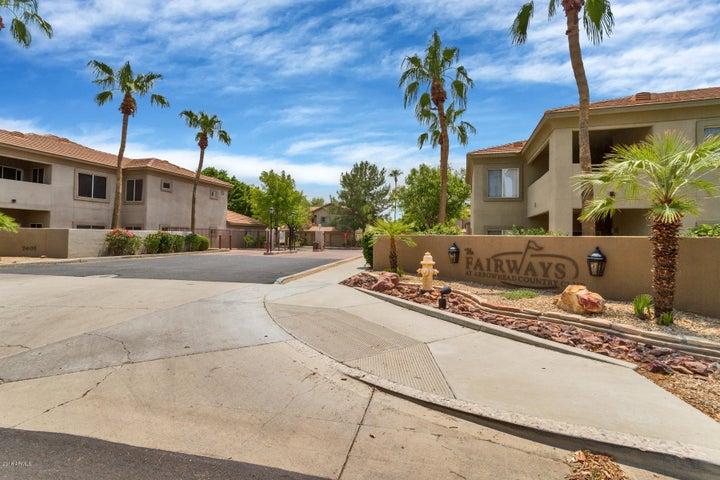 Photo of 7401 W ARROWHEAD CLUBHOUSE Drive #1043, Glendale, AZ 85308