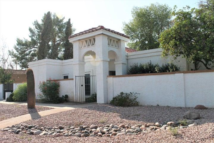 Photo of 540 E GLENCOVE Street, Mesa, AZ 85203