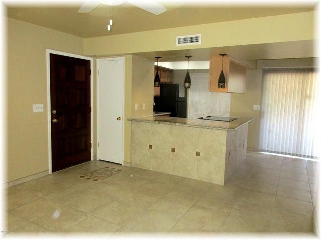 Photo of 720 E ALICE Avenue #108, Phoenix, AZ 85020
