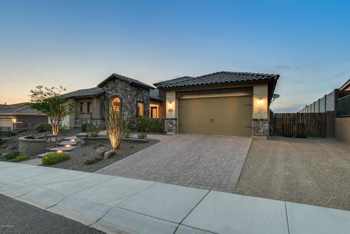 Photo of 10046 W WHITE FEATHER Lane, Peoria, AZ 85383