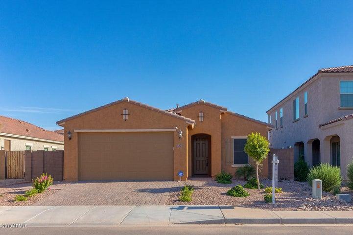Photo of 3221 E WISTERIA Place, Chandler, AZ 85286