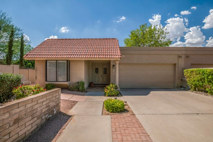 Photo of 7162 N VIA DE ALEGRIA --, Scottsdale, AZ 85258