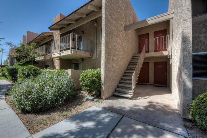 Photo of 5525 E THOMAS Road #O11, Phoenix, AZ 85018