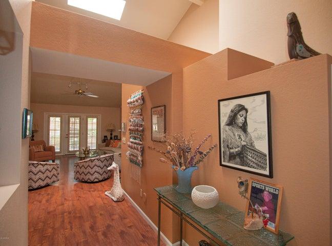 Photo of 10512 E COCHISE Avenue, Scottsdale, AZ 85258