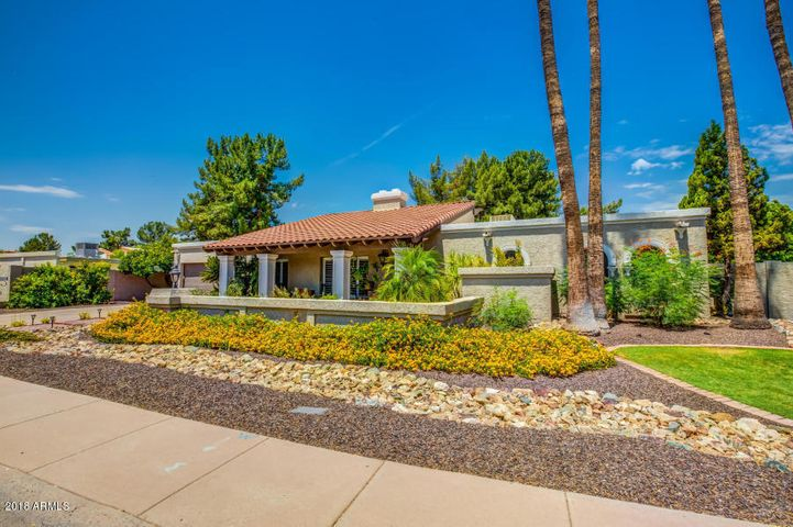Photo of 8250 S TAYLOR Drive, Tempe, AZ 85284