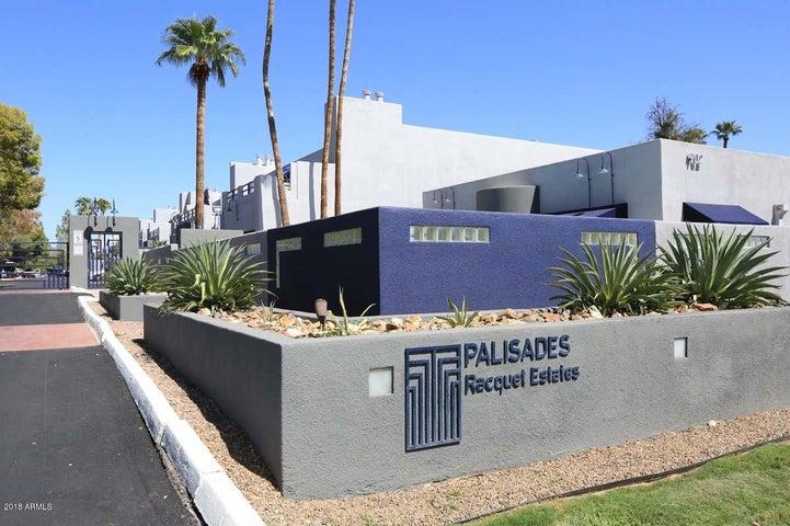 Photo of 902 W GLENDALE Avenue #101, Phoenix, AZ 85021