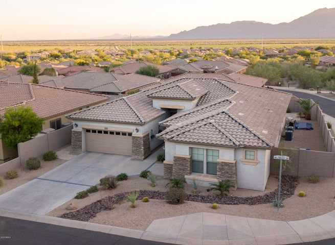 Photo of 2725 W WILDWOOD Drive, Phoenix, AZ 85045