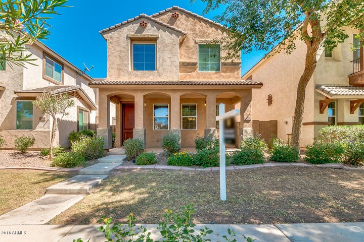 Photo of 2185 S SANDERS Drive, Gilbert, AZ 85295