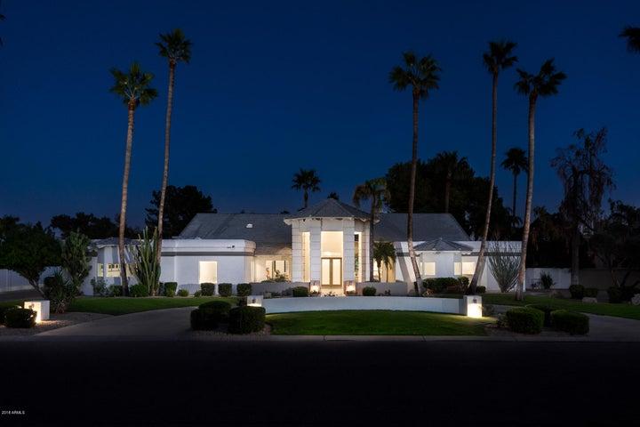 Photo of 9433 N 57TH Street, Paradise Valley, AZ 85253