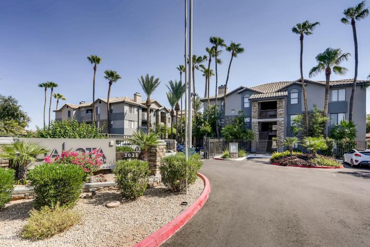 Photo of 2025 E CAMPBELL Avenue #115, Phoenix, AZ 85016