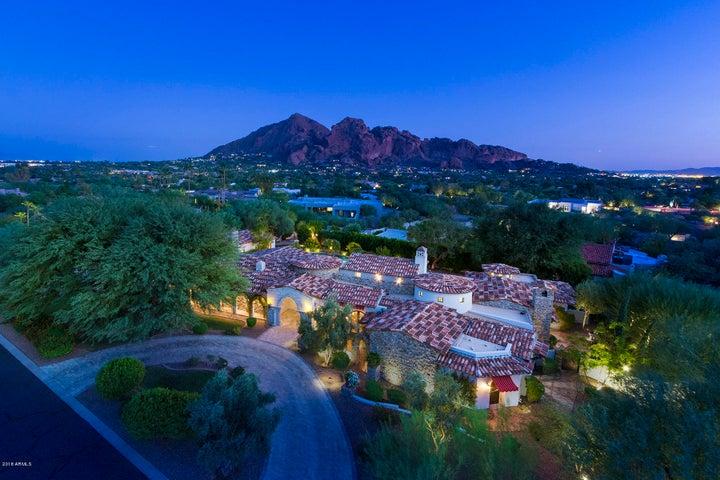Photo of 4601 E OCOTILLO Road, Paradise Valley, AZ 85253