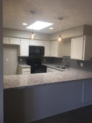 Photo of 5836 W WINCHCOMB Drive, Glendale, AZ 85306