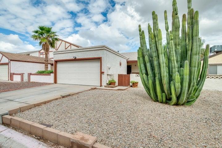 Photo of 6618 W CINNABAR Avenue, Glendale, AZ 85302