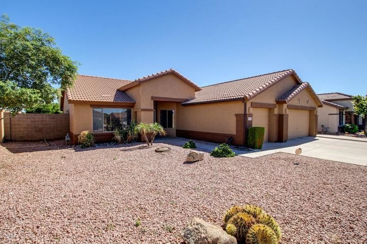 Photo of 2905 S EUGENE Circle, Mesa, AZ 85212