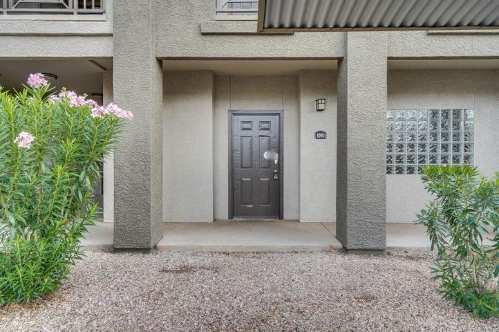 Photo of 911 E CAMELBACK Road #1093, Phoenix, AZ 85014