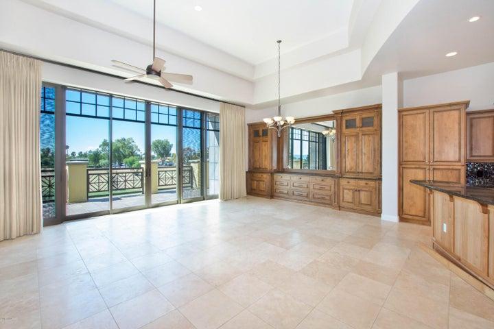 Photo of 2 BILTMORE Estate #204, Phoenix, AZ 85016