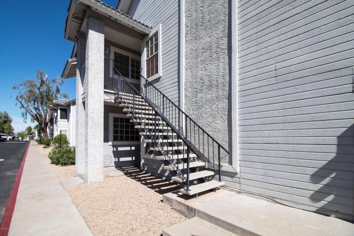 Photo of 2910 W MARCONI Avenue #206, Phoenix, AZ 85053