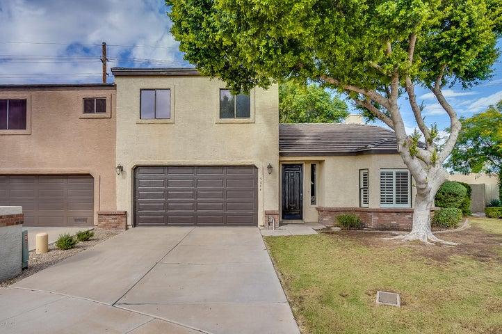 Photo of 9044 N 14TH Drive, Phoenix, AZ 85021