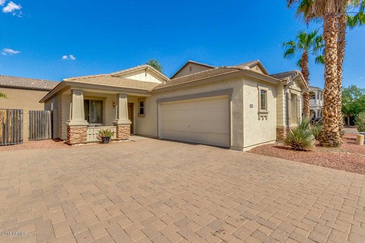Photo of 4502 E LOMA VISTA Street, Gilbert, AZ 85295