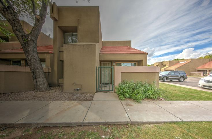 Photo of 1432 W EMERALD Avenue #705, Mesa, AZ 85202