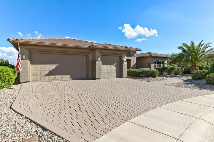Photo of 20563 N BEAR CANYON Court, Surprise, AZ 85387