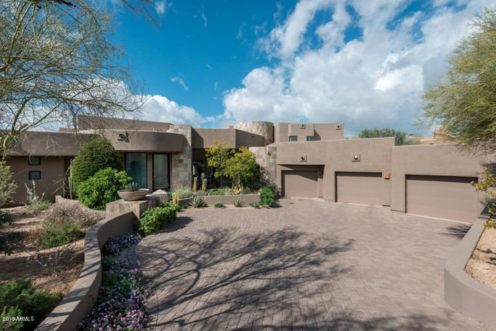 Photo of 10040 E HAPPY VALLEY Road #474, Scottsdale, AZ 85255