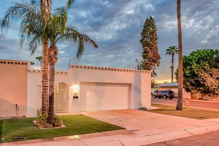 Photo of 417 W LAGUNA Drive, Tempe, AZ 85282