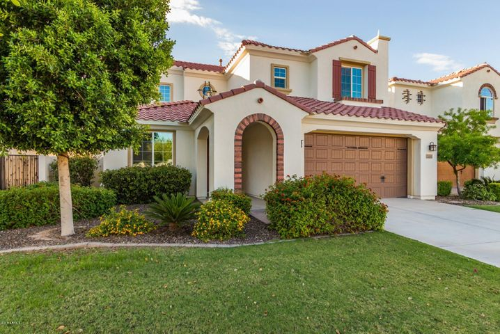 Photo of 3160 S WATERFRONT Drive, Chandler, AZ 85248