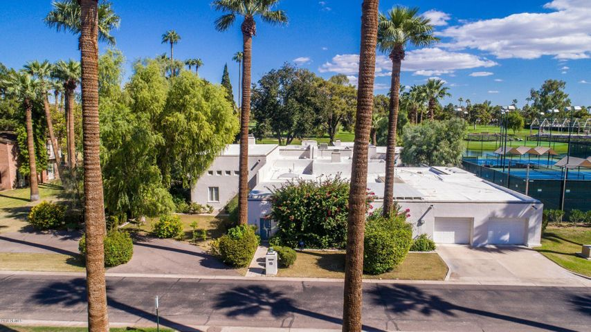 Photo of 15 N COUNTRY CLUB Drive, Phoenix, AZ 85014