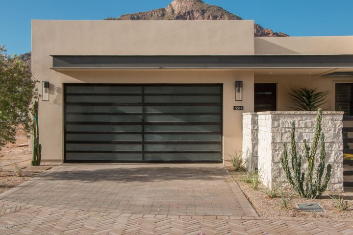 Photo of 5511 E VALLEY VISTA Lane, Paradise Valley, AZ 85253