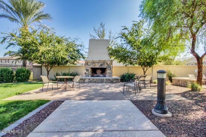 Photo of 2729 S SULLEY Drive #102, Gilbert, AZ 85295