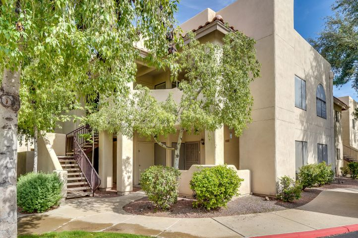 Photo of 750 E NORTHERN Avenue #2015, Phoenix, AZ 85020