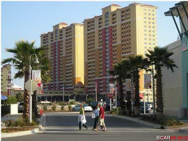 A 3 Bedroom 3 Bedroom Calypso Towers Ii Condominium