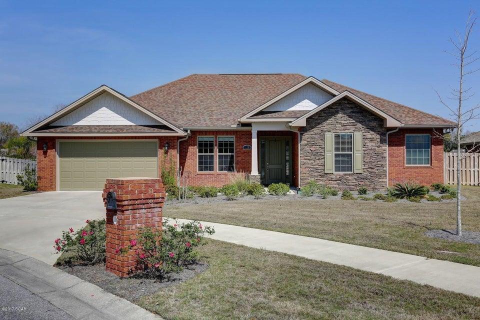 120 LAKEVIEW Terrace, Lynn Haven, FL 32444