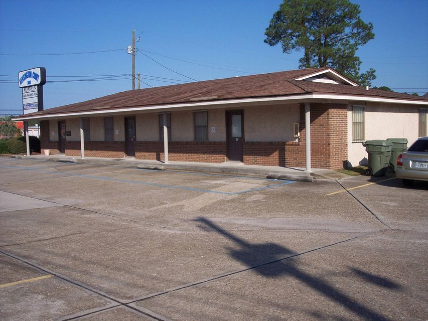 3003 HIGHWAY 77 F, Lynn Haven, FL 32444