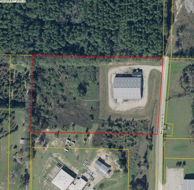 824 MARY HELEN Drive, Chipley, FL 32428