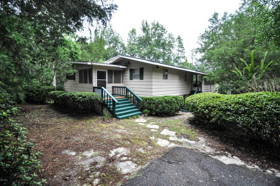 2962 RICHARD Avenue, Kinard, FL 32449