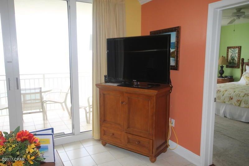 A 2 Bedroom 2 Bedroom Emerald Beach Resort Condominium