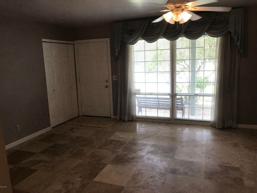 A 3 Bedroom 2 Bedroom Forest Park 7th Add Home