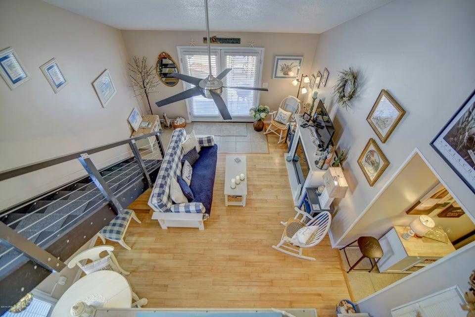 A 2 Bedroom 2 Bedroom Horizon South V Condominium
